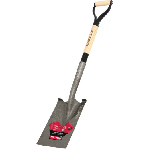 Truper Tru Pro 30 In. Wood D-Handle Garden Spade