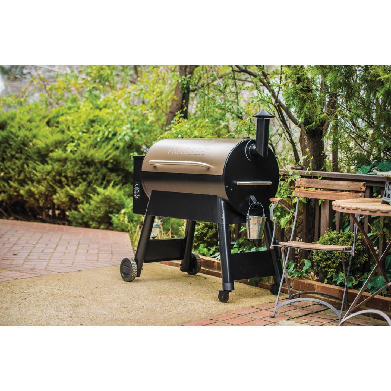 Traeger Pro Series 34 Bronze 36,000-BTU 884 Sq. In. Wood Pellet Grill Image 10